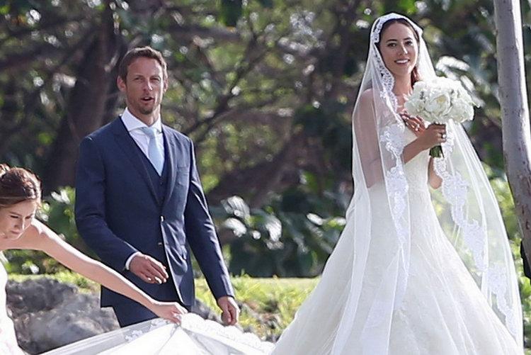Button-wedding-Jessica.jpg