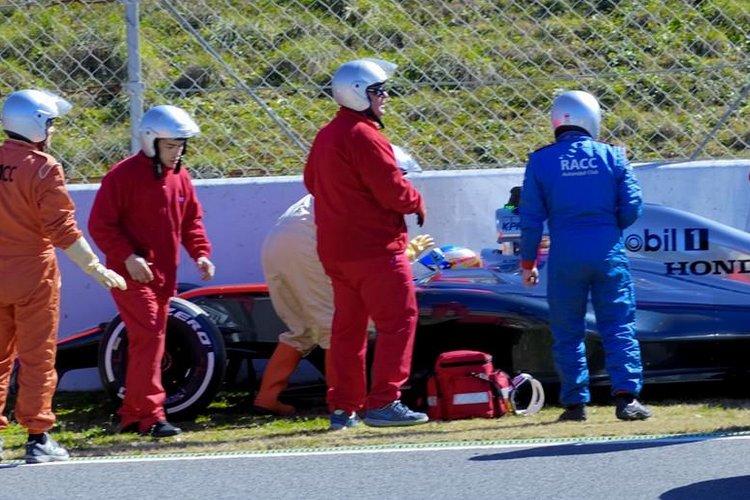 Alonso Mcalren Honda Accident Barcelona Test
