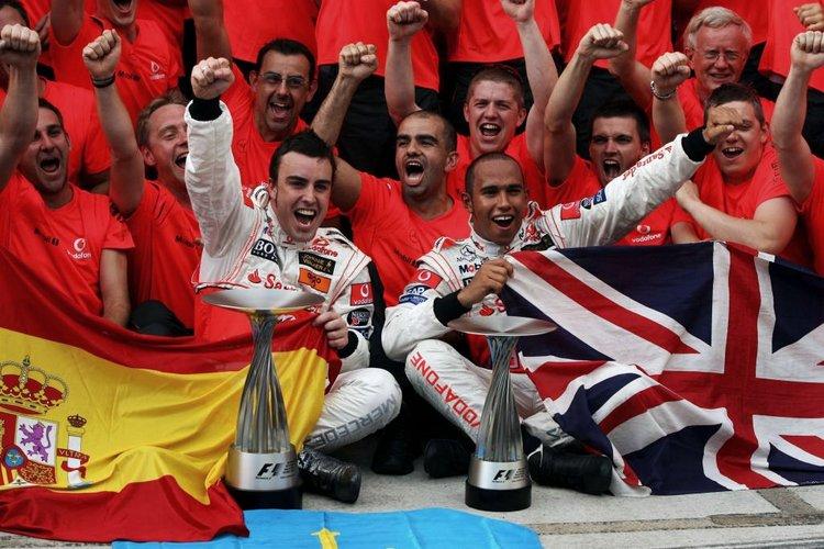 Alonso Hamilton McLaren 2007 Malaysia