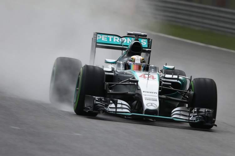 Lewis-Hamilton-F1-Grand-Prix-Malaysia-Qu