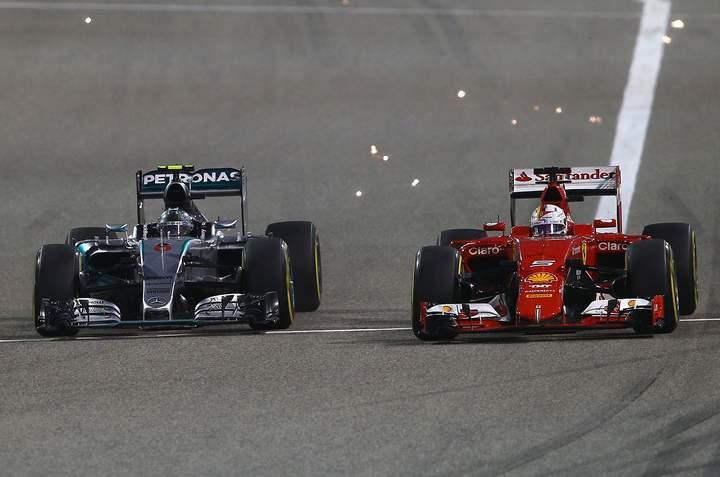 Vettel+Rosberg+Mercedes+Ferrari