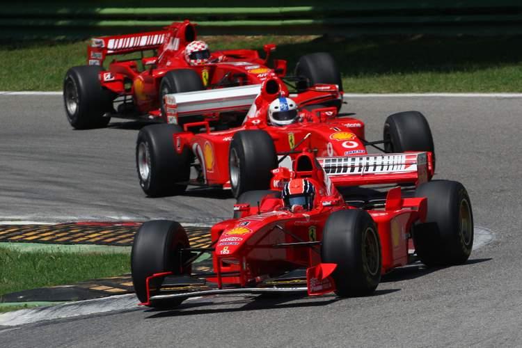 Three Ferrari clienti clients