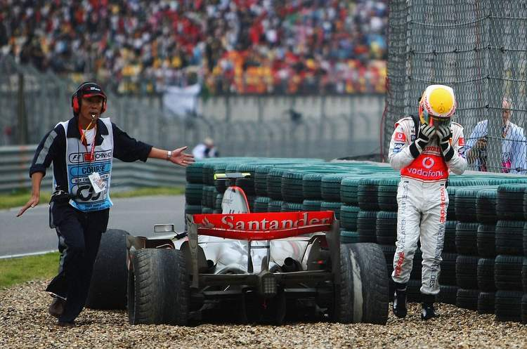 Hamilton China 2007 McLaren retires