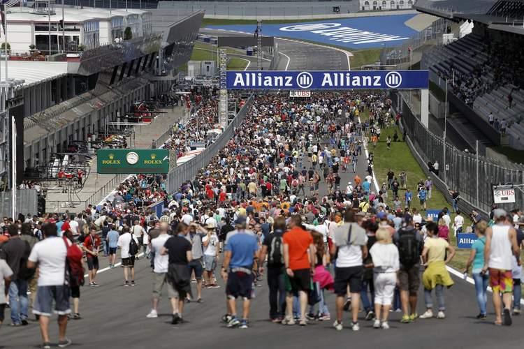 Pit walk fans Austria