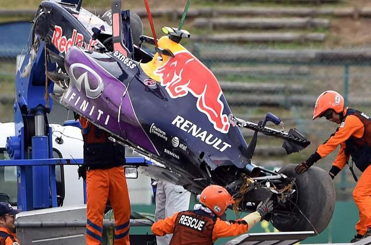 Daniil-Kvyat Suzuka crash