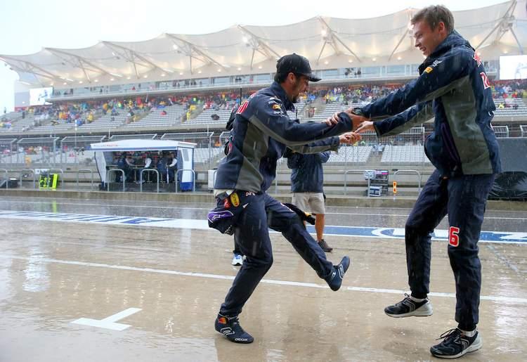 Ricciardo+Kvyat+dance+Grand+Prix+USA+Qualifying+TBGVZKh7Zjex