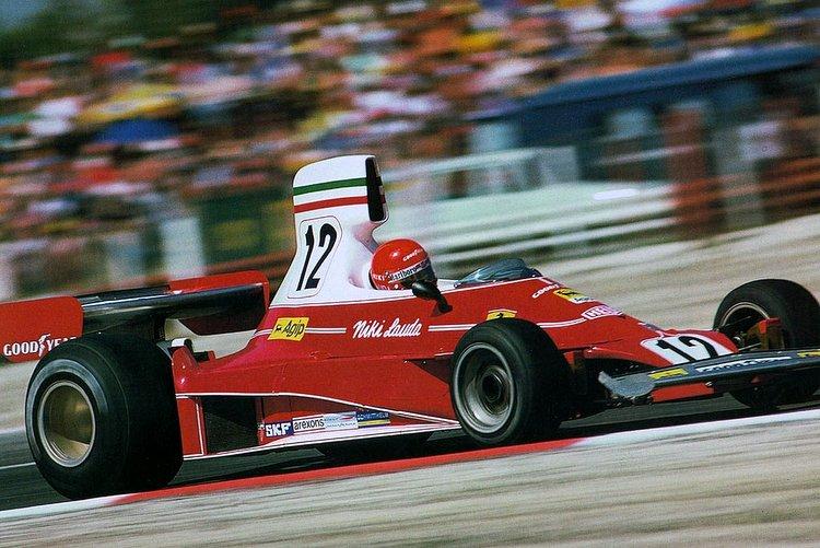 White and red Ferrari F1 livery Lauda
