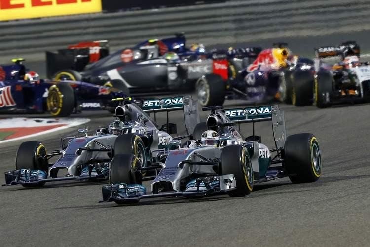 Lewis Hamilton Nico Rosberg Mercedes AMG F1 W05 Bahrain Grand Prix