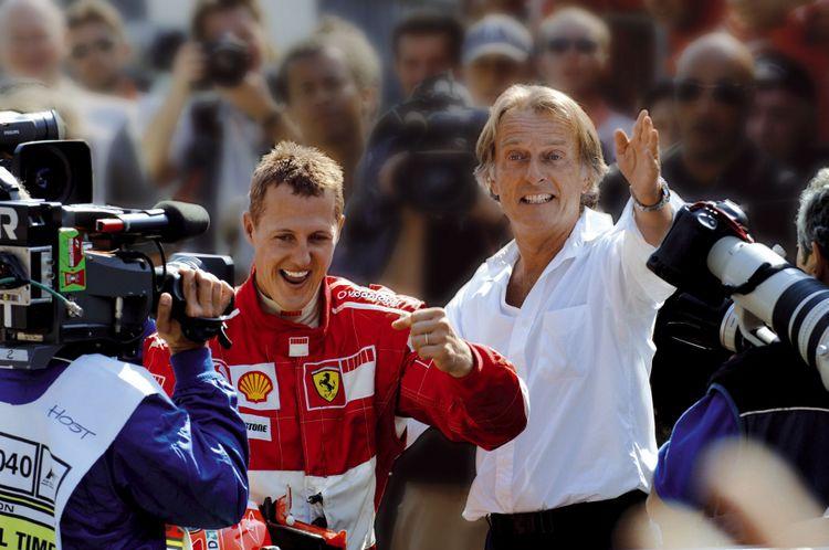 Schumacher e Montezemolo festeggiano dopo la vittoria In questa gara Schumacher annuncera il ritiro dalle corse al termine della stagione.