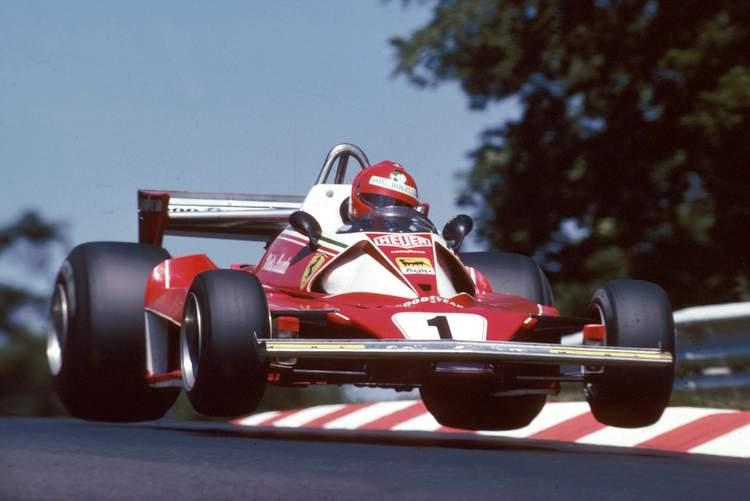 Formel 1, Grand Prix Deutschland 1976, Nuerburgring Nordschleife, 01.08.1976Niki Lauda, Ferrari 312T2, Sprungwww.hoch-zwei.net ,copyright: HOCH ZWEI / Ronco