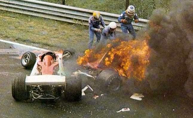 Lauda-accident crash fire nurburgring 1976