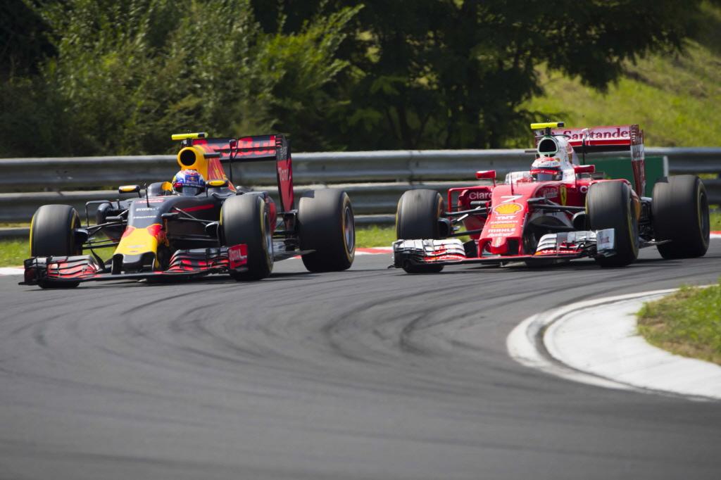 Max+Verstappen+en+Kimi+Raikkonen+zaten+elkaar+constant+op+de+hielen-001