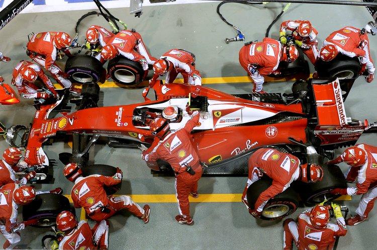 GP SINGAPORE F1/2016 Raikkonen Ferrari pitstop