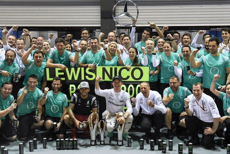 f1 grand prix of singapore hamilton rosberg merecedes