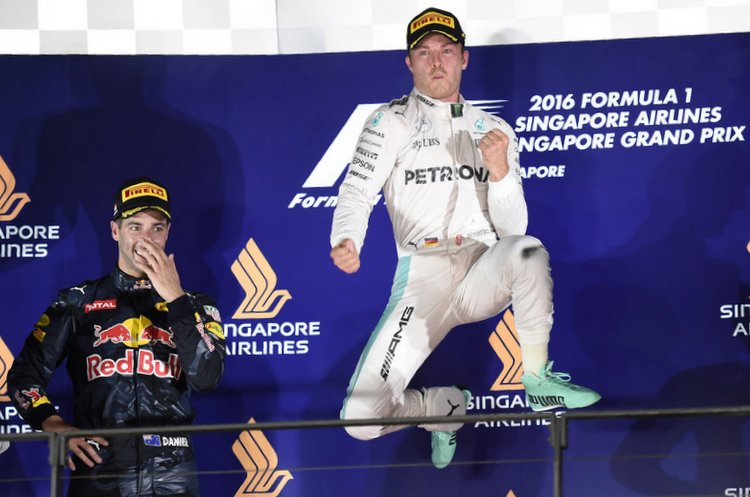 f1 grand prix of singapore ricciardo-rosberg