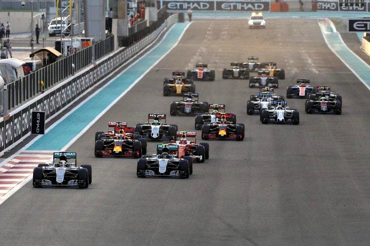 2016 Abu Dhabi Grand Pix Start