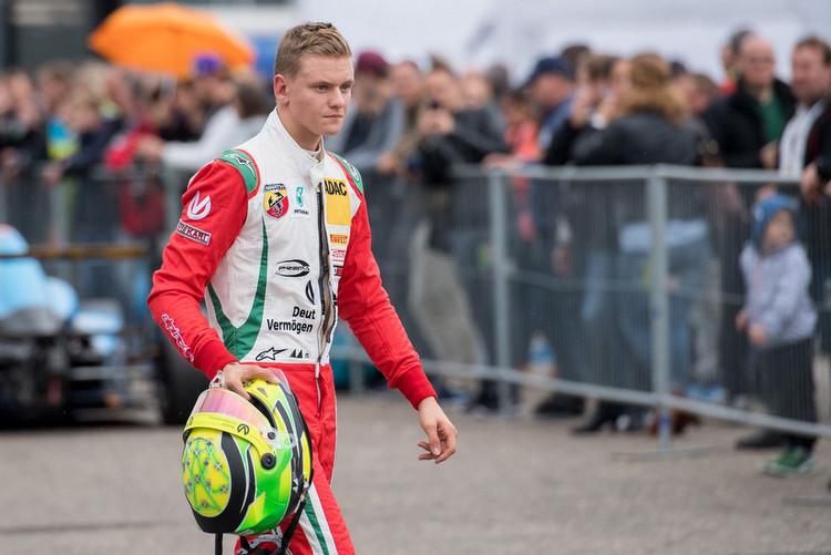 Schumacher's son a step closer to F1