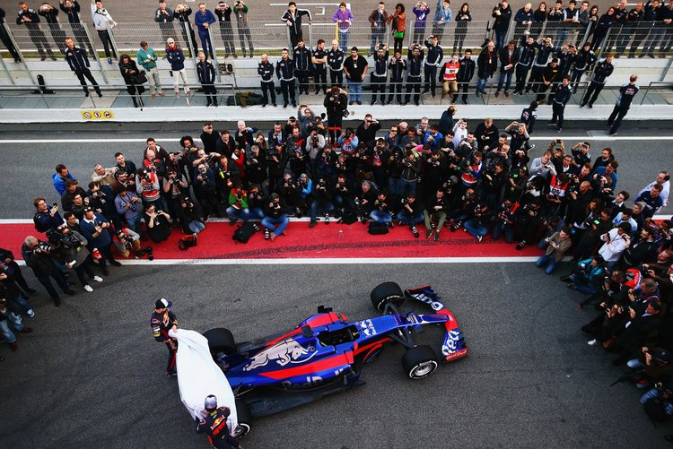 Carlos+Sainz+F1+Winter+Testing+Barcelona+Previews+LeSz4K29CJmx