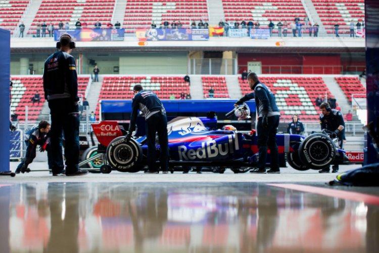 F1+Testing+Barcelona+Day+One+8f83ehWymgex