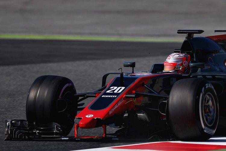Kevin+Magnussen+F1+Testing+Barcelona+Day+One+qyUOybBPobnx