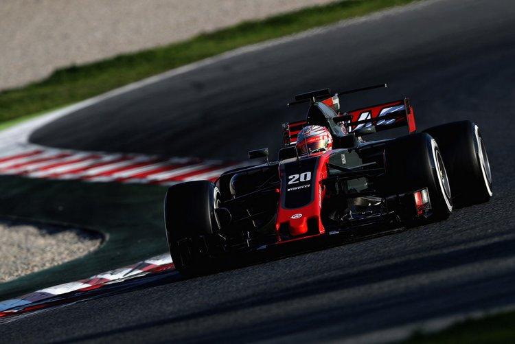 Kevin+Magnussen+F1+Testing+Barcelona+Day+One+uwplDECW8EAx