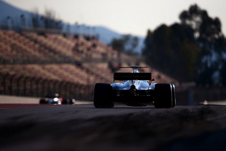 Kevin+Magnussen+F1+Testing+Barcelona+Day+One+vGWZMeATs-1x