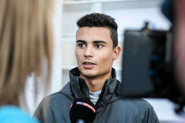 Pascal Wehrlein (GER) Manor Racing with the media. 22.02.2016. Formula One Testing, Day One, Barcelona, Spain. Monday.