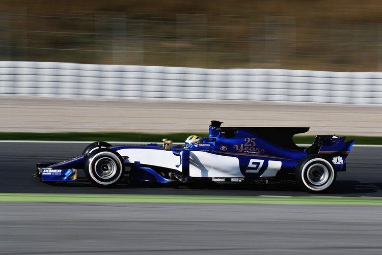 Marcus+Ericsson+F1+Testing+Barcelona+Day+One+dwlLmeDRW58x