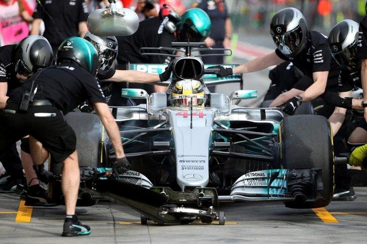Hamilton pitstop