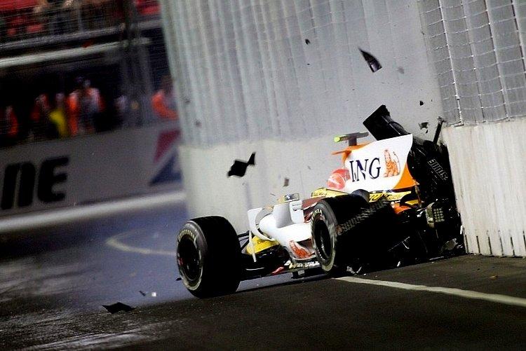 Nelson Piquet crashgate sig=ngapore accident