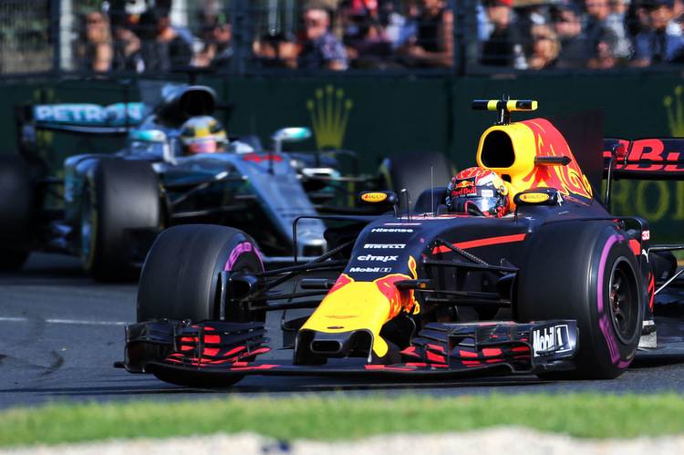 Max Verstappen (NLD) Red Bull Racing RB13. 26.03.2017. Formula 1 World Championship, Rd 1, Australian Grand Prix, Albert Park, Melbourne, Australia, Race Day. - www.xpbimages.com, EMail: requests@xpbimages.com - copy of publication required for printed pictures. Every used picture is fee-liable. © Copyright: Charniaux / XPB Images