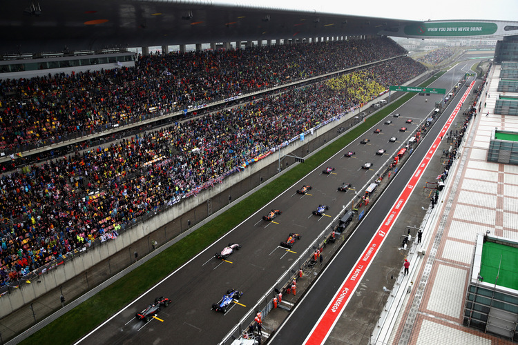 SHANGHAI, CHINA - APRIL 09: A general view of the start during the Formula One Grand Prix of China at Shanghai International Circuit on April 9, 2017 in Shanghai, China. (Photo by Clive Mason/Getty Images)