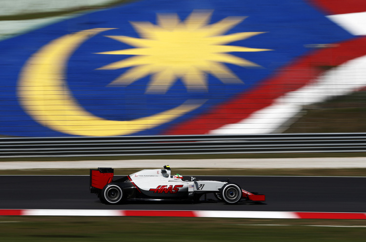 Sepang International Circuit, Sepang, Malaysia. Friday 30 September 2016. World Copyright: Glenn Dunbar/LAT Photographic ref: Digital Image _31I8323