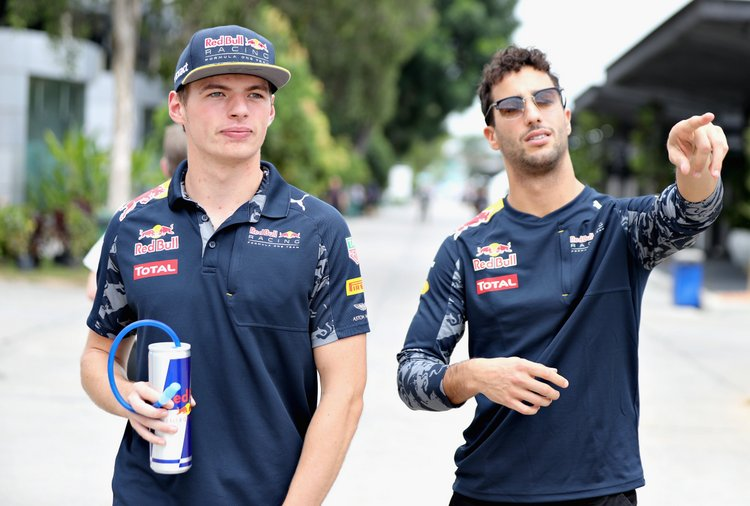 KUALA LUMPUR, MALAYSIA - OCTOBER 01: Max Verstappen of Netherlands and Red Bull Racing and Daniel Ricciardo of Australia and Red Bull Racing walk in the Paddock before final practice for the Malaysia Formula One Grand Prix at Sepang Circuit on October 1, 2016 in Kuala Lumpur, Malaysia. (Photo by Mark Thompson/Getty Images) // Getty Images / Red Bull Content Pool // P-20161001-00358 // Usage for editorial use only // Please go to www.redbullcontentpool.com for further information. //