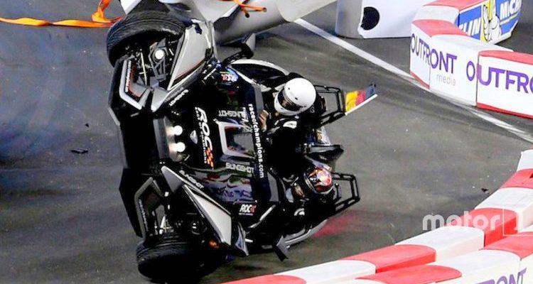 crash pascal wehrlein and felipe massa on the polaris slingshot slr grand prix 247. Black Bedroom Furniture Sets. Home Design Ideas