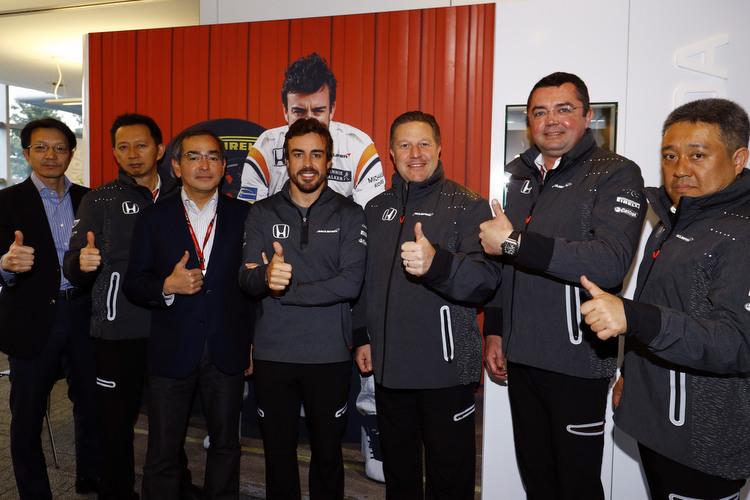 Fernando Alonso, Zak Brown, Hasegawa