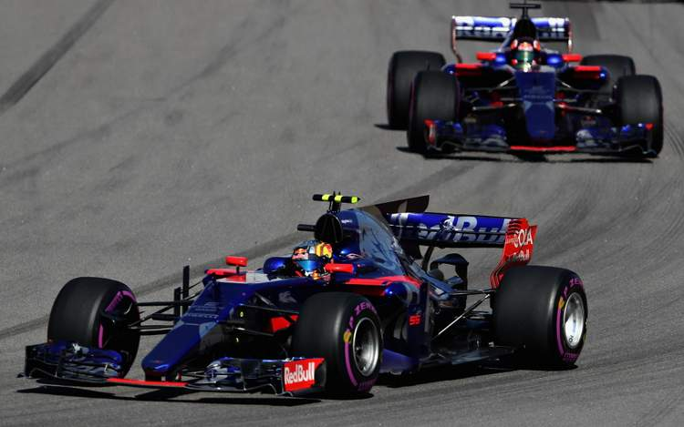 SOCHI, RUSSIA - APRIL 30: Carlos Sainz of Spain driving the (55) Scuderia Toro Rosso STR12 leads Daniil Kvyat of Russia driving the (26) Scuderia Toro Rosso STR12 on track during the Formula One Grand Prix of Russia on April 30, 2017 in Sochi, Russia. (Photo by Mark Thompson/Getty Images) // Getty Images / Red Bull Content Pool // P-20170430-00761 // Usage for editorial use only // Please go to www.redbullcontentpool.com for further information. //