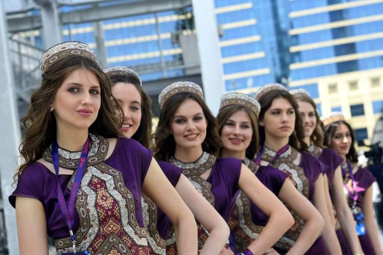 Azerbaijan city girl