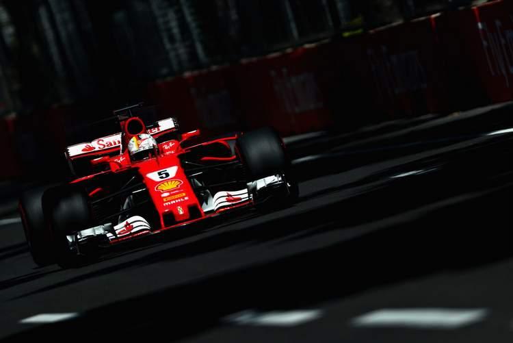 Azerbaijan+F1+Grand+Prix+Qualifying+iQXMoBlu-IIx