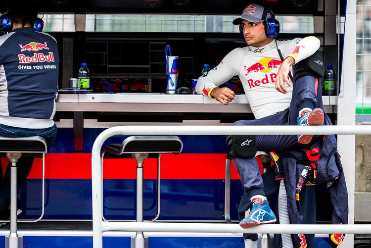 Carlos Sainz+F1+Grand+Prix+Practice+4nzW9OeBmQJx