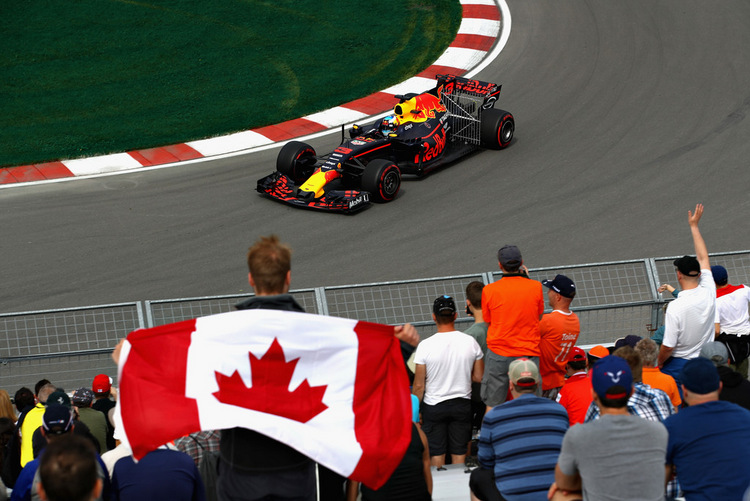 Daniel Ricciardo+F1+Grand+Prix+Practice+KMdeKyCSkpnx