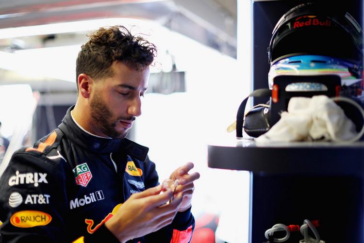 Daniel Ricciardo+F1+Grand+Prix+Practice+iVSnLi5qW3ux