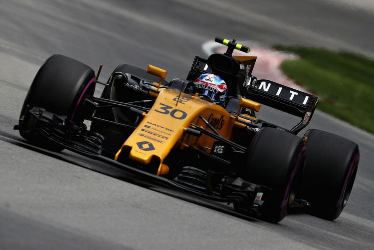 Jolyon Palmer+F1+Grand+Prix+Practice+KrAfHSbttfwx