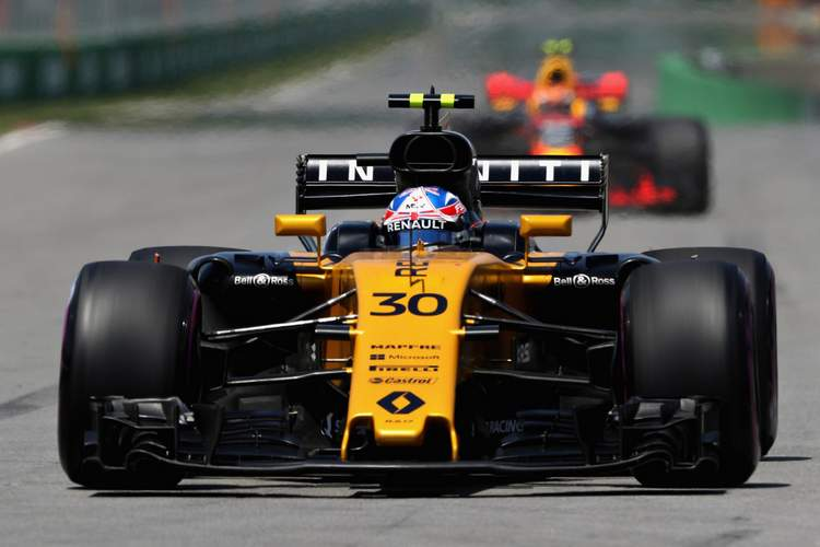 Jolyon Palmer+F1+Grand+Prix+Qualifying+BHe08GeKqcGx