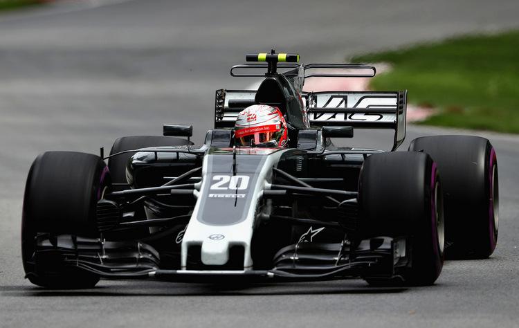 Kevin Magnussen+F1+Grand+Prix+Practice+zqaSwg8LjErx