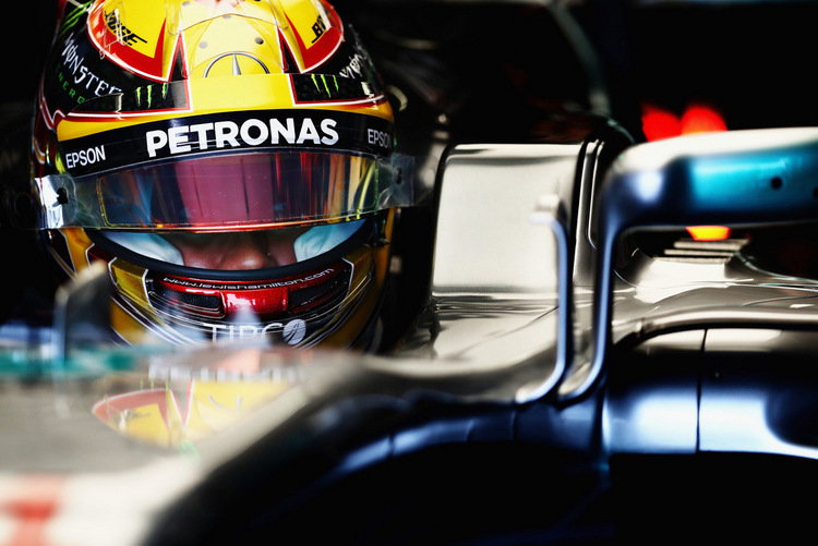 Lewis Hamilton+F1+Grand+Prix+Practice+zMjmywIqlhCx