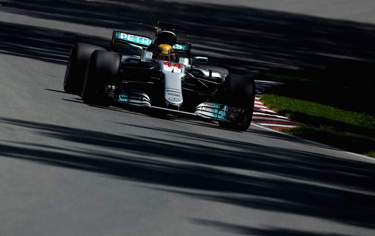 Lewis Hamilton+F1+Grand+Prix+Qualifying+pl-cYjbj4kRx