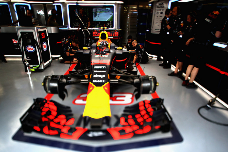 Max Verstappen+F1+Grand+Prix+Practice+I_cRYjykATtx
