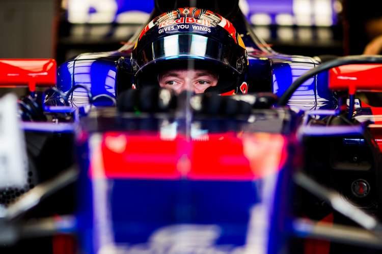 Daniil+Kvyat+F1+Grand+Prix+Hungary+Practice+9LkpuqqQIkgx