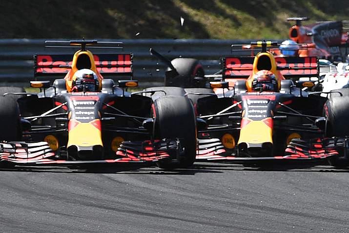Daniel Ricciardo, Max Verstappen, collide, collision, crash